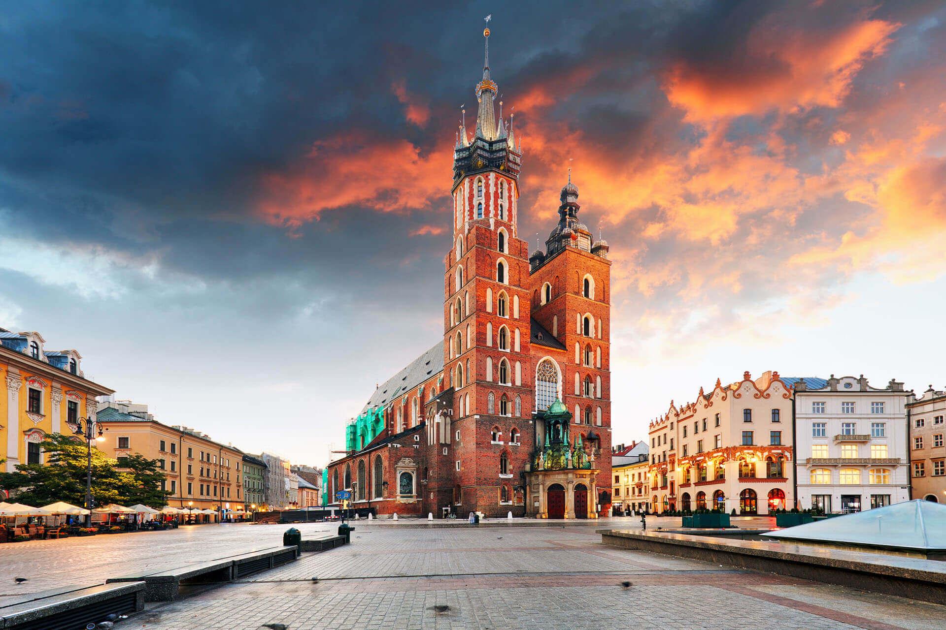 Poland: 2021 Minimum Salary Threshold Set for EU Blue Card Holders