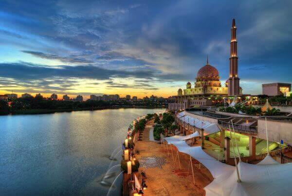 Malaysia: Updates to the Employment Pass Renewal Process