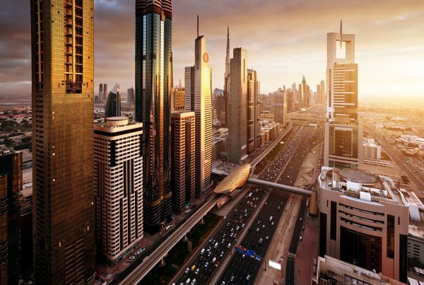 United Arab Emirates: Golden Visa Holders Now Eligible for Work Permits on the Mainland