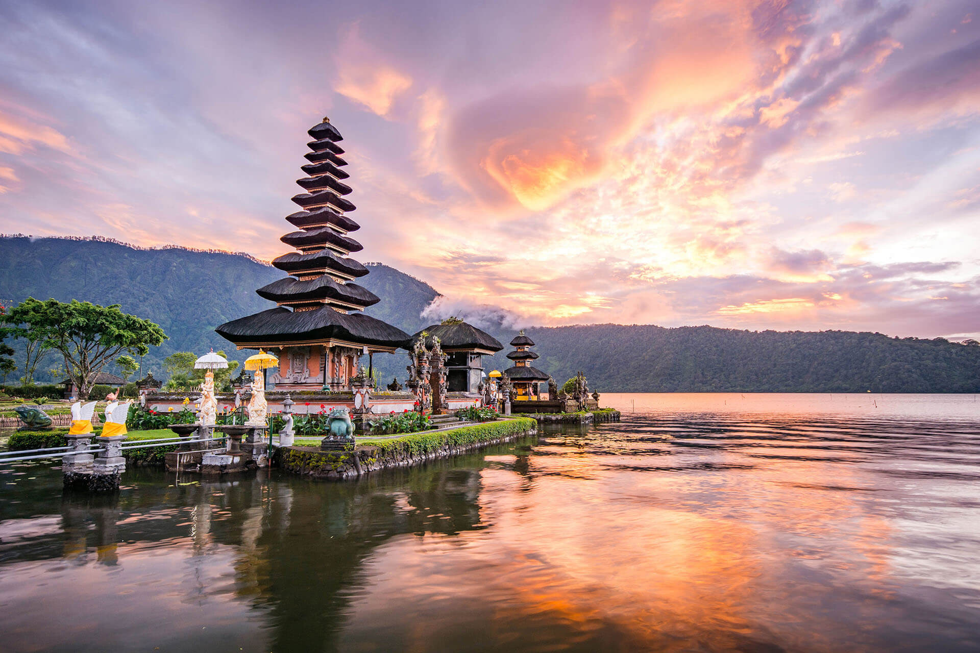 Indonesia: Partial Lifting of International Travel Ban for Foreigners
